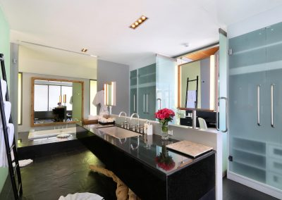 3.Ensuite Guest Bathroom 2