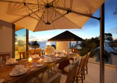 3.Outdoor Dining