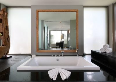 4.Ensuite Guest Bathroom 3