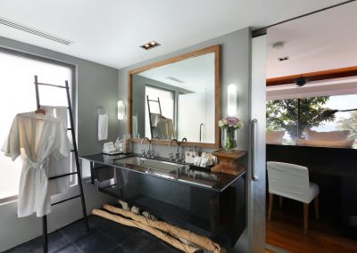 4.Guest Villa Ensuite Bathroom 6